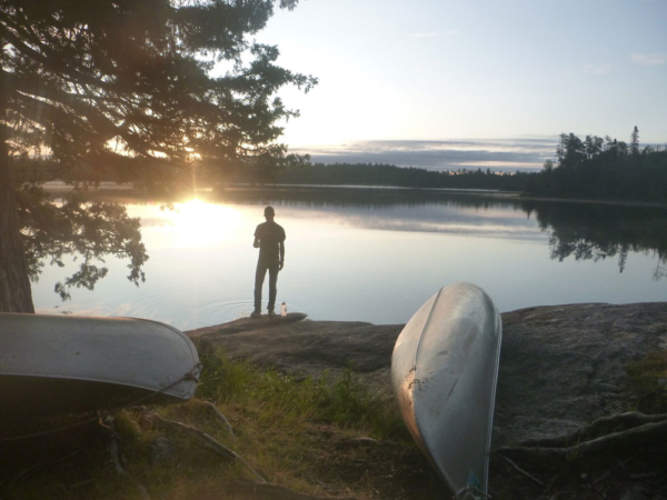 Západ slunce v táboře, foto: Voyageur Outward Bound School