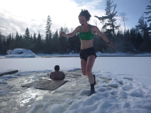 Zimní sauna na základně VOBS, foto: Voyageur Outward Bound School